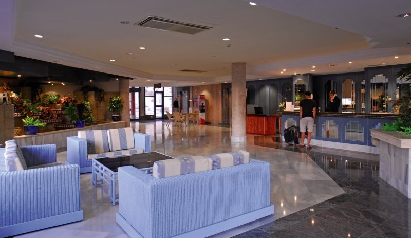KN Matas Blancas - ErwachsenenhotelLounge/Empfang