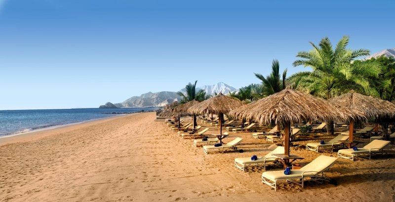 Le Meridien Al Aqah Beach ResortStrand