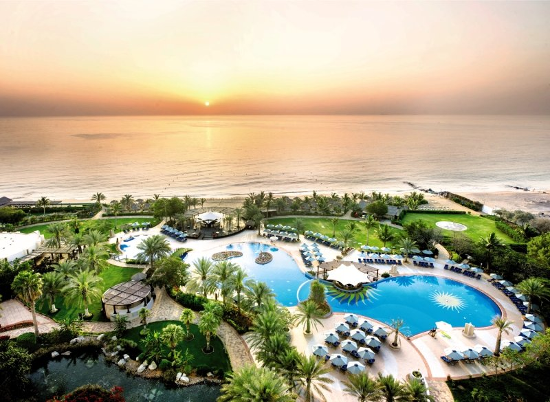 Le Meridien Al Aqah Beach ResortPool