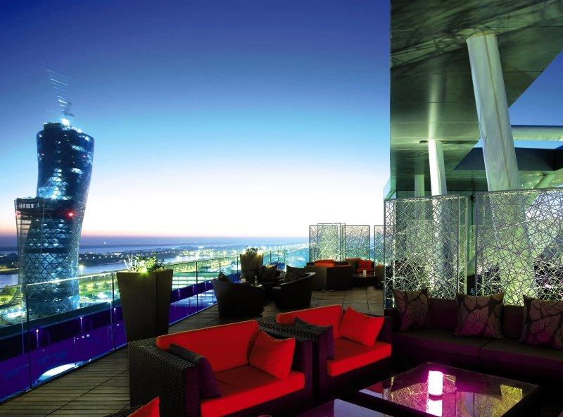 Abu Dhabi ab 498 € 6