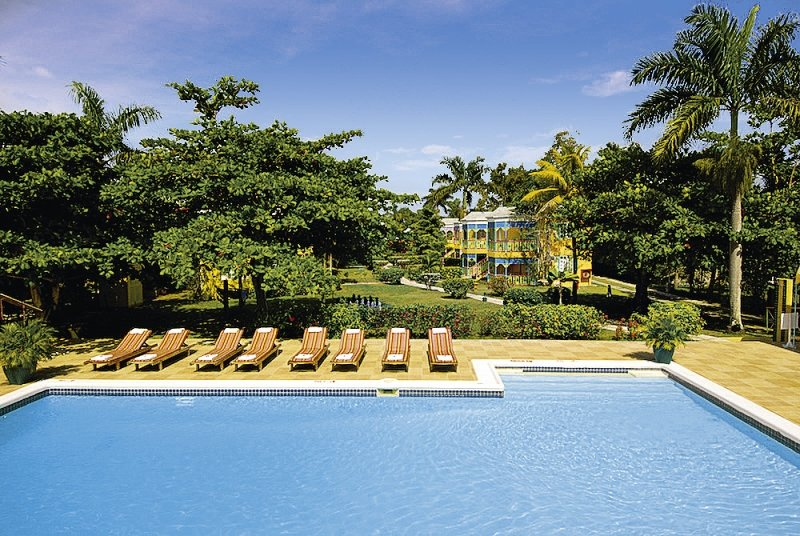 Grand Pineapple Beach Negril in Negril ab 1302 €
