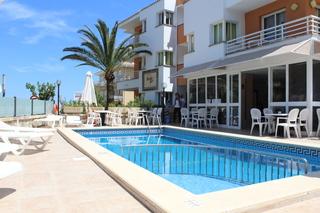 Hotel Baulo Mar Pool
