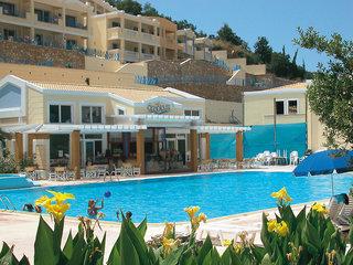 Hotel Ithea Suites Pool