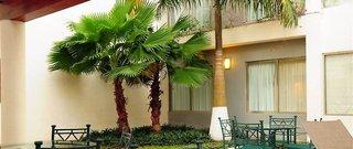 Hotel Ambiance Suites Außenaufnahme