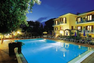Hotel Cleopatra Pool