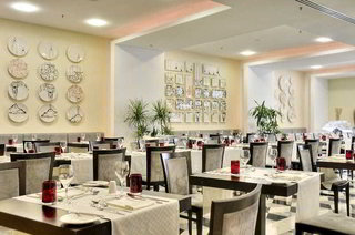 Hotel AX The Palace Restaurant