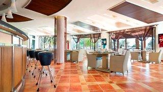 Hotel Le Meridien Al Aqah Beach Resort Bar