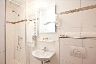 Hotel Arena Villa am Wasserpark Badezimmer