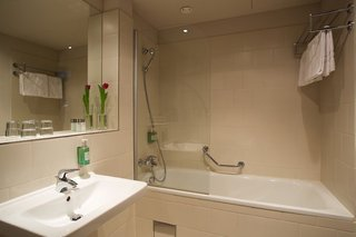 Hotel Jurys Inn Badezimmer