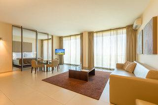 Hotel NAU Salgados Dunas Suites Hotel Wohnbeispiel
