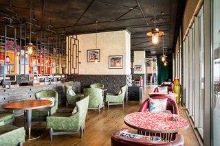 Hotel Akra Hotel Bar