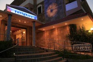 Hotel Kassandra Family Apart Hotel & Spa Außenaufnahme