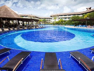 Hotel Bluebay Grand Esmeralda Pool