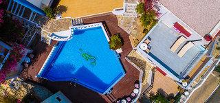 Hotel Korifi Suites & Apartments Art Hotel Pool