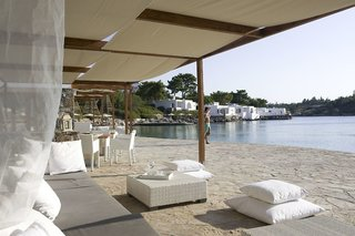 Hotel Minos Beach Art Bar