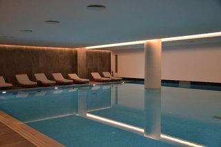 Hotel Gennadi Grand Resort Hallenbad