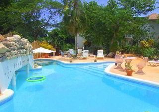 Hotel Catcha Falling Star Gardens Pool