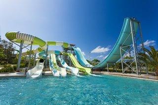 Hotel Club Grand Aqua Pool
