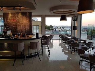 Hotel The Kresten Royal Villas & Spa Bar