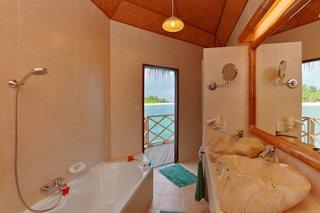 Hotel Angaga Island Resort & Spa Badezimmer