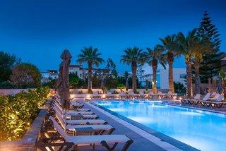 Hotel Petousis Hotel & Suites Außenaufnahme