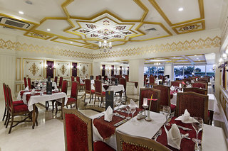Hotel Crystal Palace Luxury Resort & Spa Restaurant