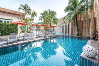 Hotel The Beach Heights Resort Pool