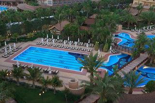 Hotel Royal Dragon Pool