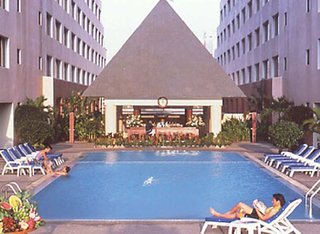 Hotel The Twin Towers Pool
