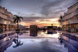 Hotel Bahia Flamingo Pool