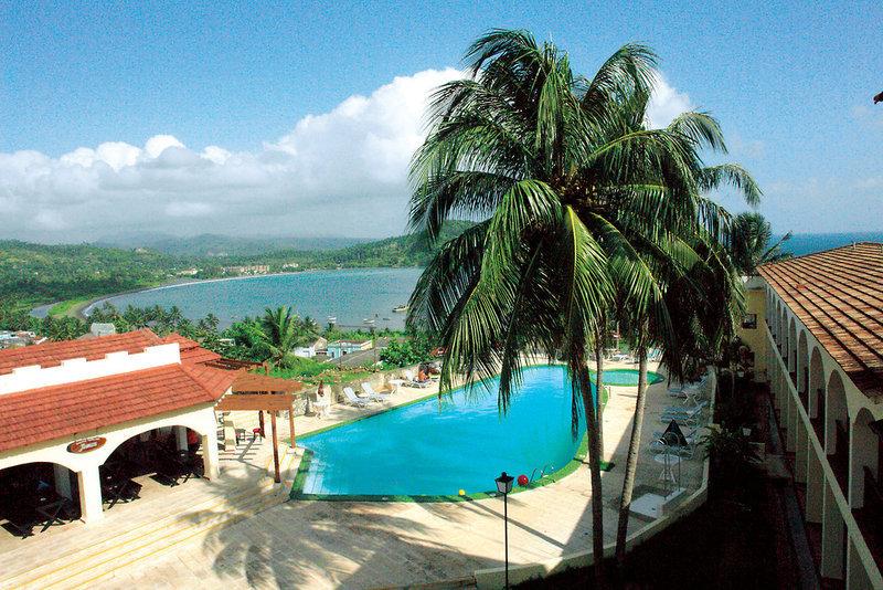 El Castillo Pool