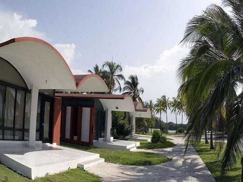 Islazul Bacuranao Villa Wohnbeispiel