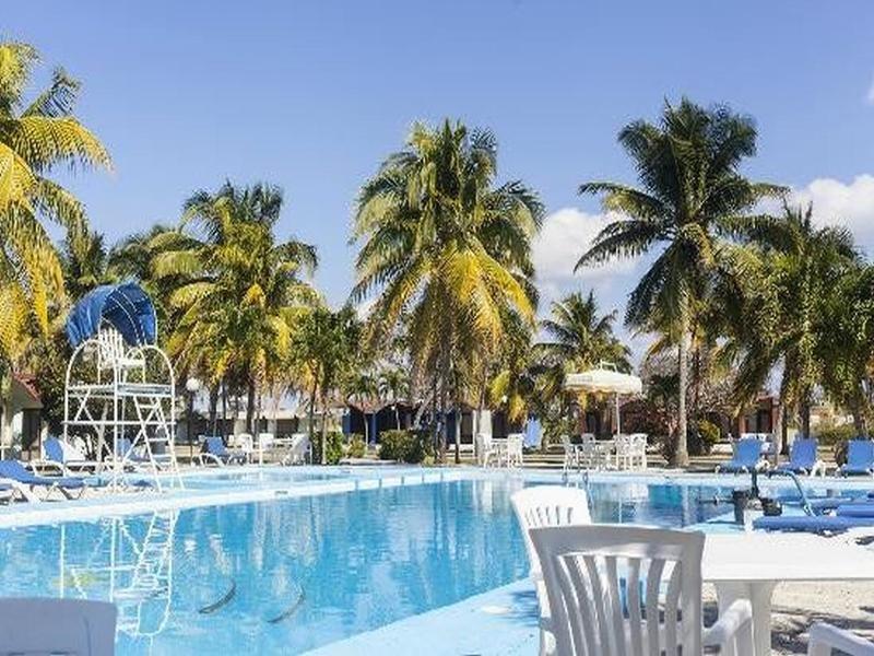 Islazul Bacuranao Villa Pool