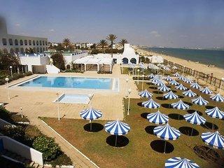 Ezzahra Dar Tunis Pool
