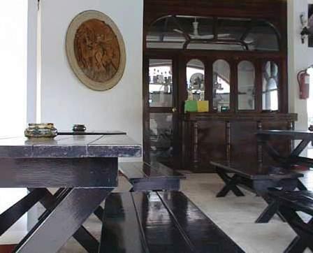 El Castillo Bar
