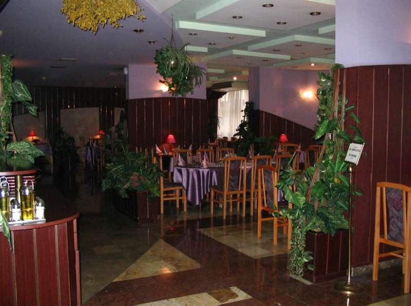 Sangate Hotel Airport Bar