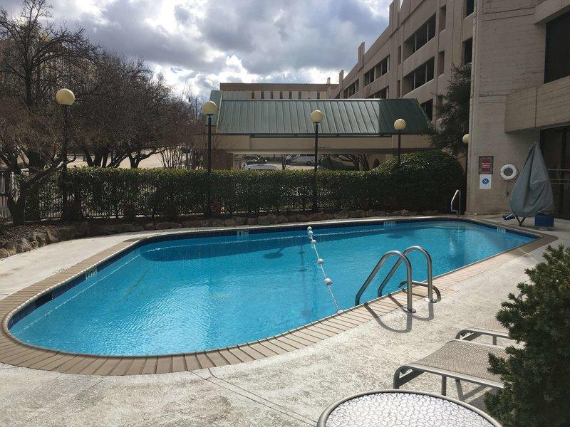 DoubleTree by Hilton Hotel Birmingham Pool