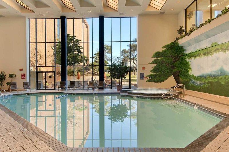 Hilton DFW Lakes Executive Conference Center Hallenbad