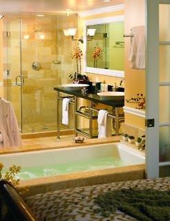 Ocean Key Resort & Spa Badezimmer