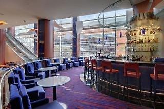 Hilton Baltimore Bar