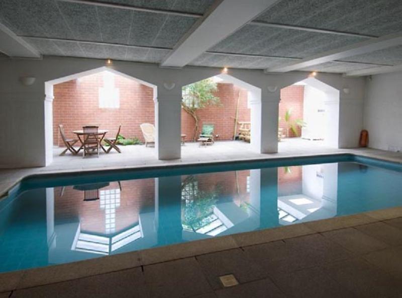 Floris Hotel Karos Bruges Pool
