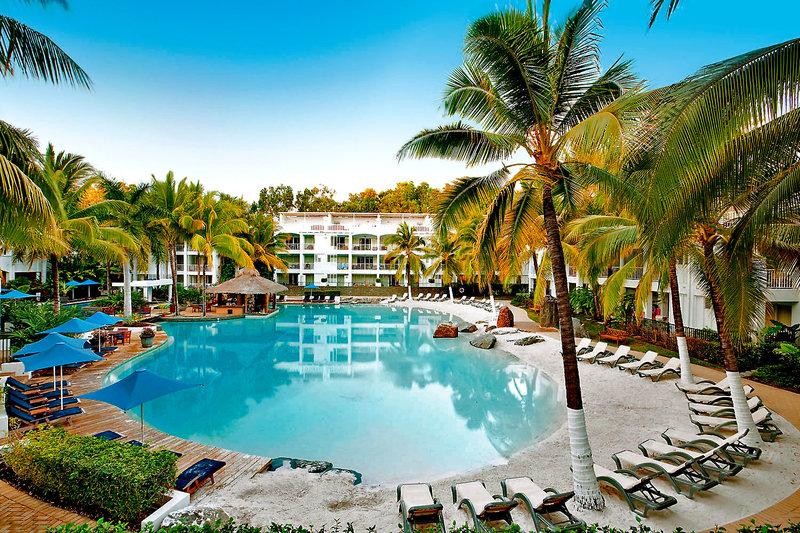 Peppers Beach Club & Spa Pool