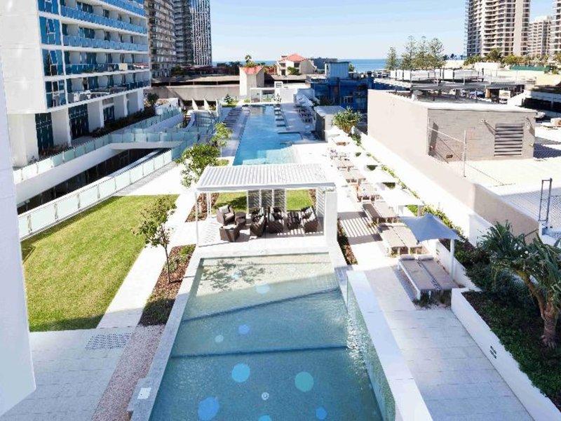 Hilton Surfers Paradise Residences Pool