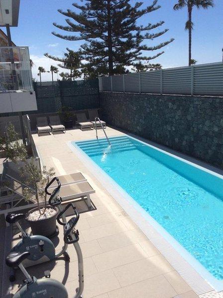 El Yate Pool