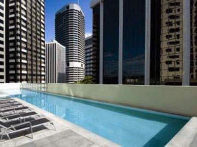 Oaks Aurora Pool