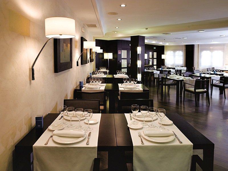 NH Iruna Park Restaurant