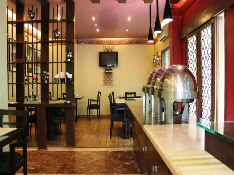 jüSTa The Residence at Panchsheel Park Restaurant