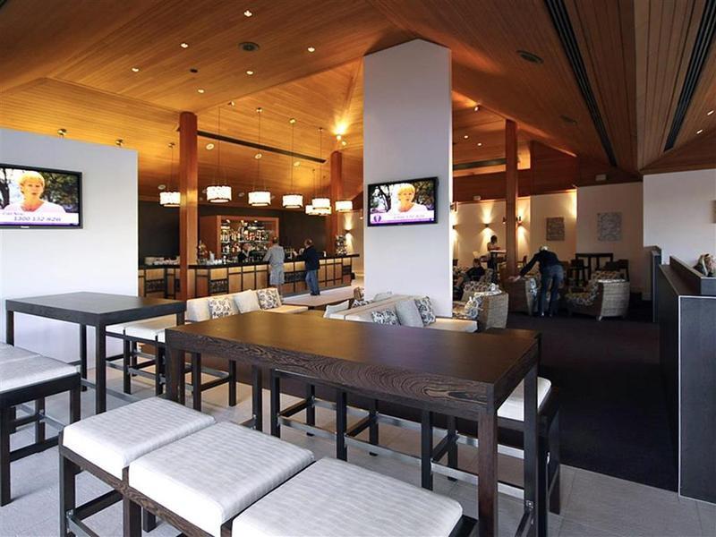 Novotel Twin Waters Bar