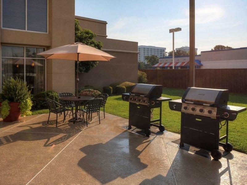 Homewood Suites Dallas - Market Center Terrasse