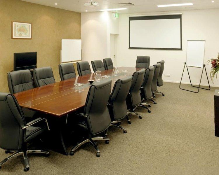Best Western Plus Cairns Central Apartments Konferenzraum